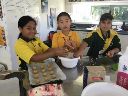 Room 1 ANZAC Baking and Art